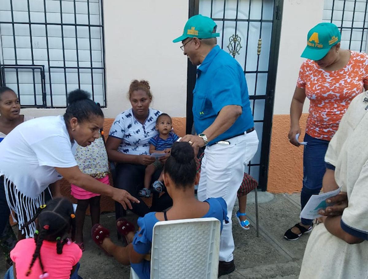 Candidato alcalde Alianza País recorre sectores de San Francisco de Macorís - El Jaya