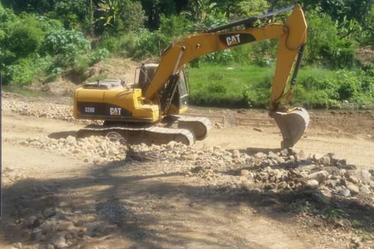 Fundación Rio Jaya denuncia desvió de su cauce entrada comunidad Colón - El Jaya